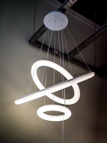 Современные светильники люстры модерн